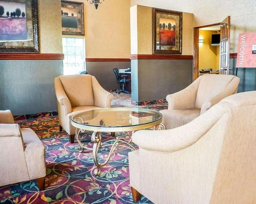 . Quality Inn & Suites Roswell
