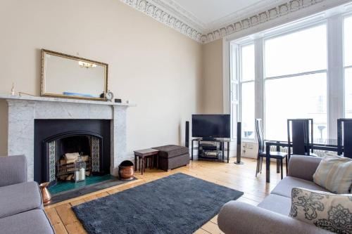 Old Town Stylish Apartment - 5 Mins Walk To Castle