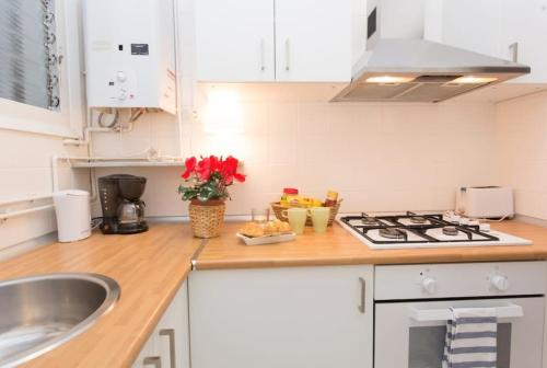Priority Fira Apartments photo 3
