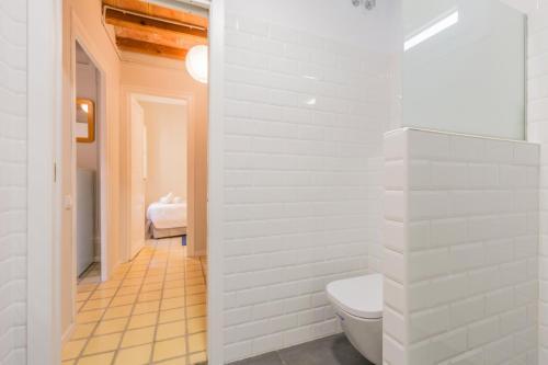 White Suite Barcelona photo 4