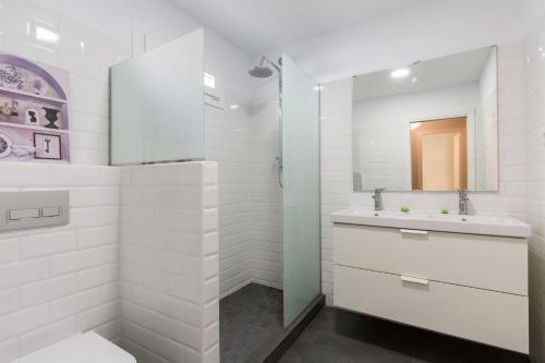 White Suite Barcelona photo 10
