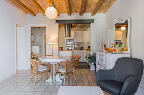 White Suite Barcelona photo 15