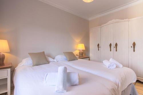 White Suite Barcelona photo 27