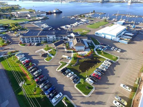 Park Point Marina Inn - Duluth, MN 55802