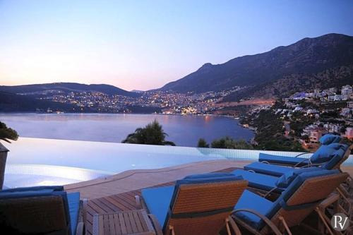 Kalkan Kalkan Villa Sleeps 12 Pool Air Con WiFi tatil