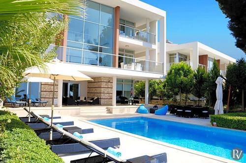 İslâmlar Islamlar Villa Sleeps 8 Pool Air Con WiFi fiyat
