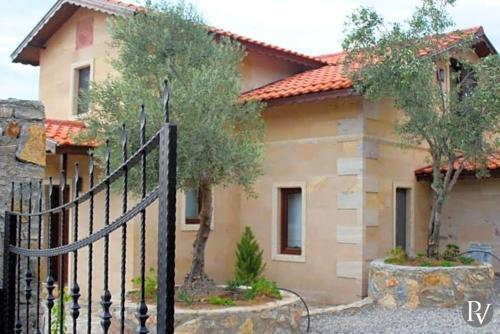 Boğazağzı Gokbel Villa Sleeps 7 Pool Air Con WiFi odalar