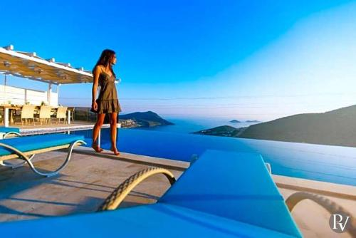 Kalkan Kalkan Villa Sleeps 12 Pool Air Con tek gece fiyat