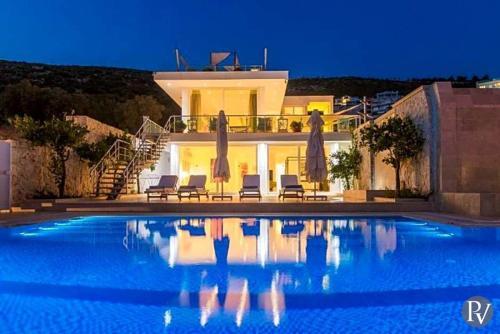 Kalkan Kalkan Villa Sleeps 8 Pool Air Con WiFi