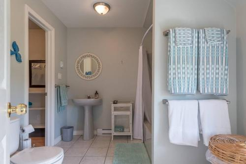 Beachside Getaway Villa with space for 20+ - Pictou, NS B0K 1H0