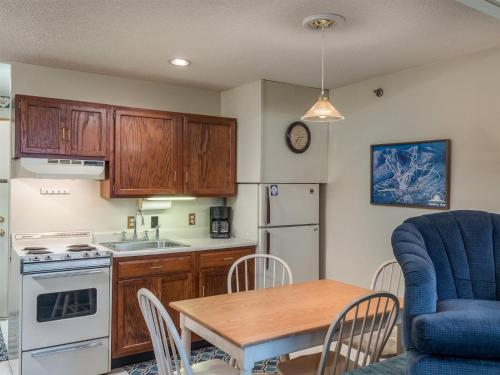 Slopeside: Cascades A-24 - Newry, ME 04261