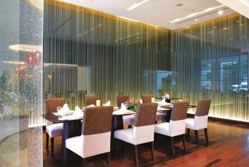 The Narathiwas Hotel & Residence Sathorn Bangkok photo 2