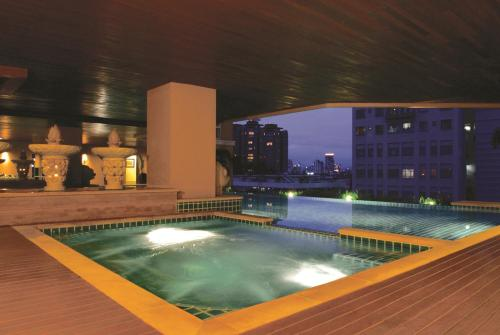 The Narathiwas Hotel & Residence Sathorn Bangkok photo 10