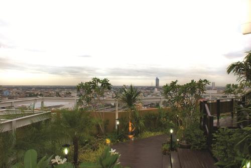 The Narathiwas Hotel & Residence Sathorn Bangkok photo 25