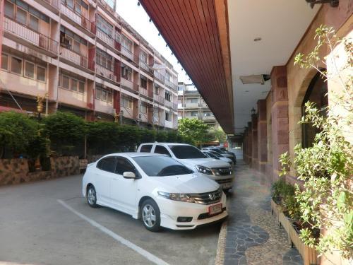 Ayutthaya Thenee Hotel photo 54