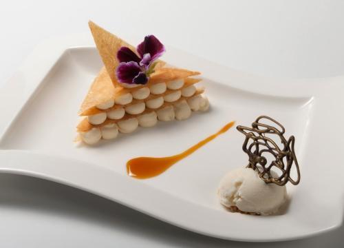 Hotel restaurante casa zanito olite desde 60 rumbo - Casa zanito olite ...