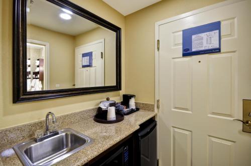 Hampton Inn Charleston-Historic District - Charleston, SC SC 29403