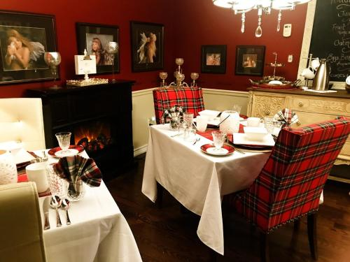 THE TARTAN HOUSE BED & BREAKFAST