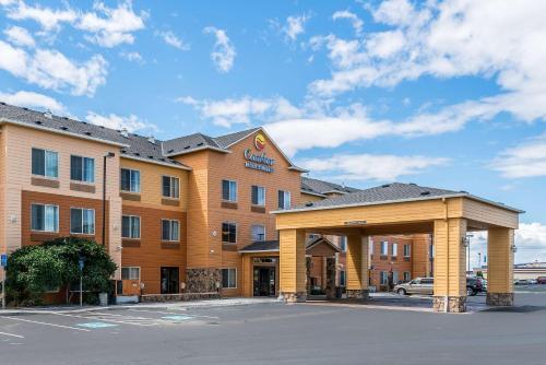 . Comfort Inn & Suites Hermiston