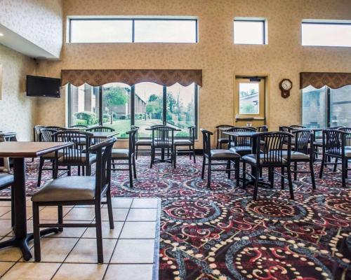 Comfort Inn Pocono Lakes Region - Sterling, PA 18436