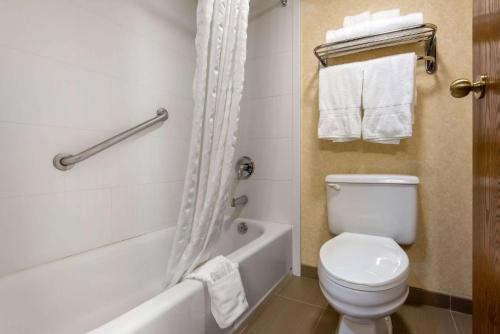 Quality Inn & Suites Mansfield