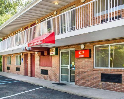Econo Lodge Drums - Drums, PA 18222
