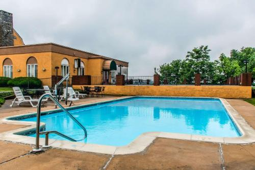 Rodeway Inn Amish Country - Lancaster, PA 17602