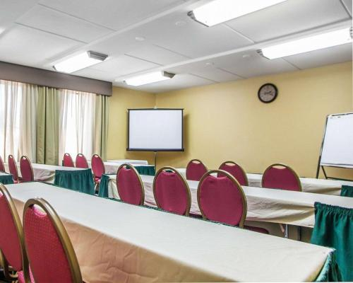 Comfort Inn Lehigh Valley West - Fogelsville, PA 18106