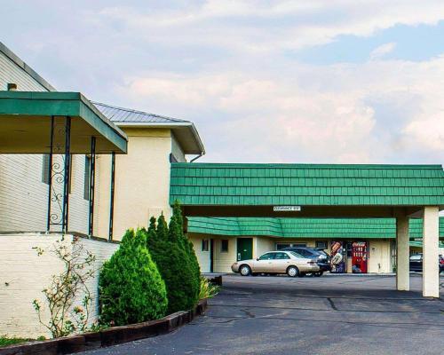 Rodeway Inn Moosic - Moosic, PA 18507