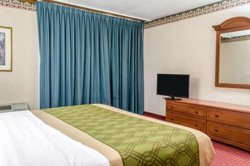 Econo Lodge York - York, PA 17402