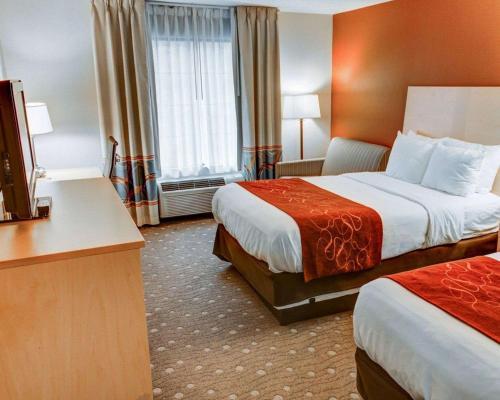 Photo - Comfort Suites Coraopolis