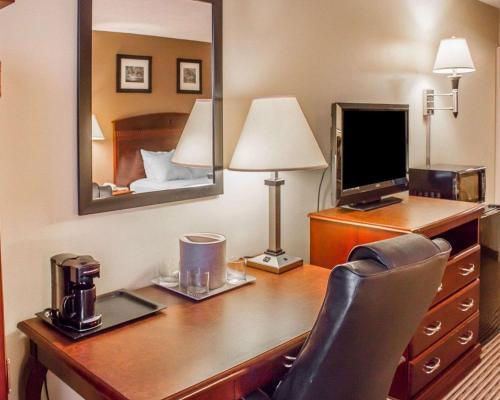 Clarion Hotel Dubois - Du Bois, PA 15801