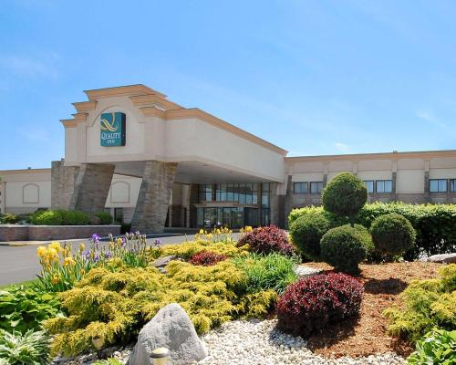 . Quality Inn and Conference Center Somerset