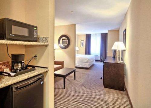 Comfort Suites Lewisburg - Hotel