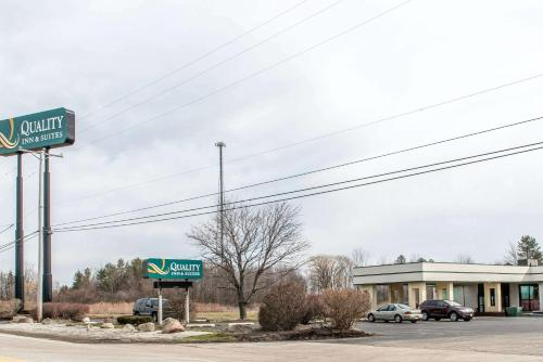 Quality Inn & Suites Fairview - Fairview, PA 16415
