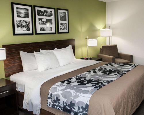 Sleep Inn & Suites Harrisburg - Hershey North - Harrisburg, PA 17112