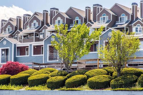 Econo Lodge - Cranston/Providence