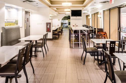 Comfort Inn Downtown Charleston - Charleston, SC SC 29401