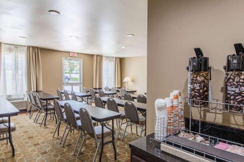Comfort Inn & Suites Greenwood near University - Greenwood, SC 29649