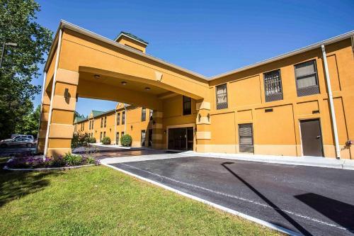 Quality Inn Union US Hwy 176 - Hotel - Union