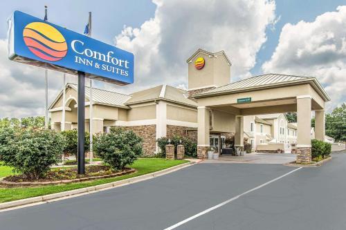 Comfort Inn & Suites Greenwood near University