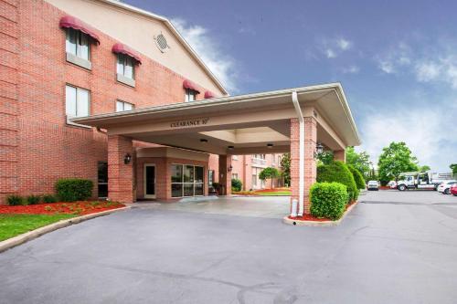 . Quality Inn & Suites Germantown North