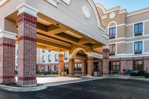 . Comfort Inn & Suites Airport-American Way Memphis