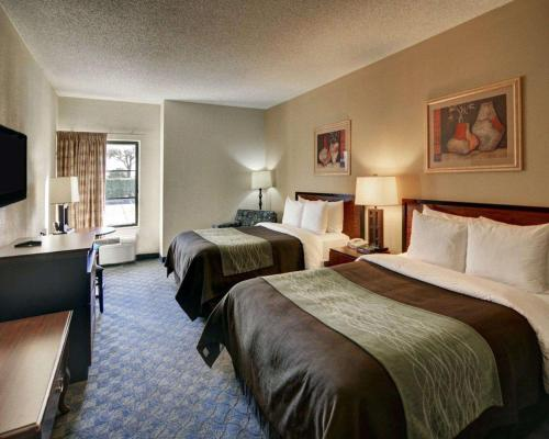 Quality Inn Suites Dfw Airport South Hotel Irving In Tx