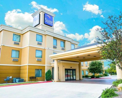 . Sleep Inn and Suites New Braunfels