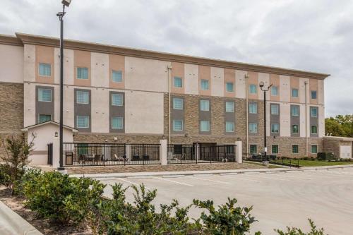 . Sleep Inn & Suites College Station
