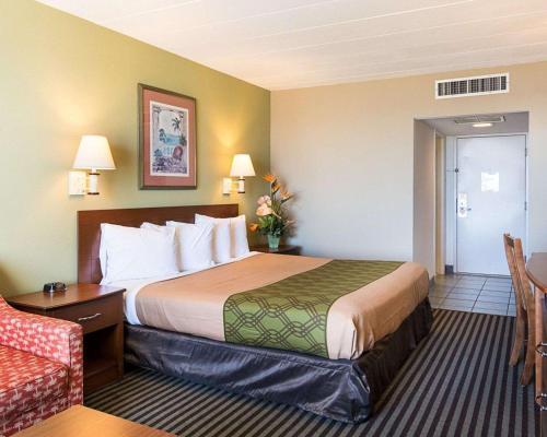 Econo Lodge Virginia Beach Main image 1