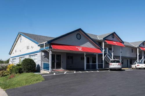 Econo Lodge Rutland City near Hwy 7 - Hotel - Rutland