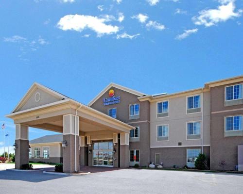 . Comfort Inn & Suites DeForest