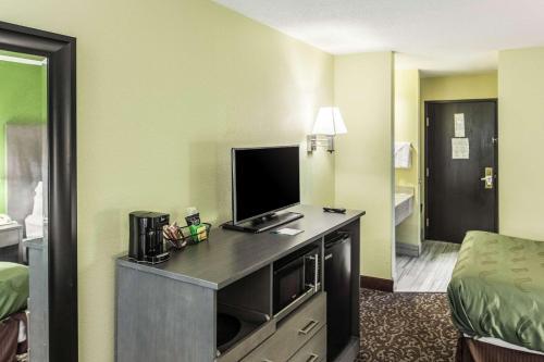 Quality Inn Decatur - Decatur, IN 46733